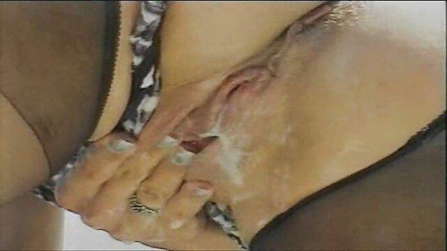 Aspen Ora menunjukkan indo x bokep kepada kita bibir perawannya.
