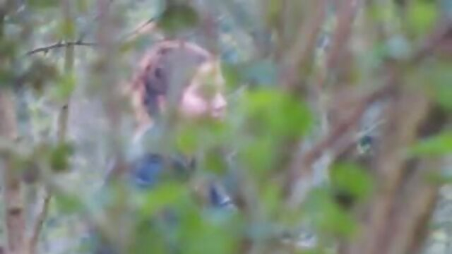 babes-Kayden Cross xxx indo di perkosa dan Stoya menikmati hubungan romantis Lizzy
