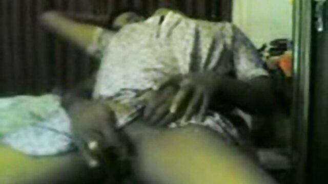 Pembantu itu Menjilat vagina wanita itu dan memuaskan pria dengan vagina video xxx sex indo dan bokongnya
