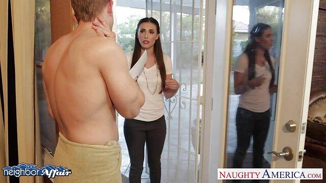 Kamera tersembunyi di kamar hotel di Sochi, difilmkan seks dari pasangan muda. video bokep xxx indo