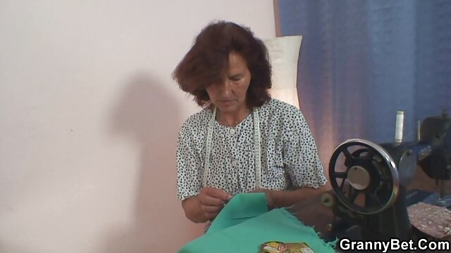 Hot Nenek Ibu