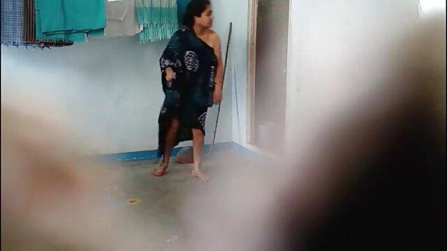 Seorang wanita mabuk berbingkai kucing berbulu video xxx indo bokep teman dan diizinkan untuk berbaring di tulang kemaluan.