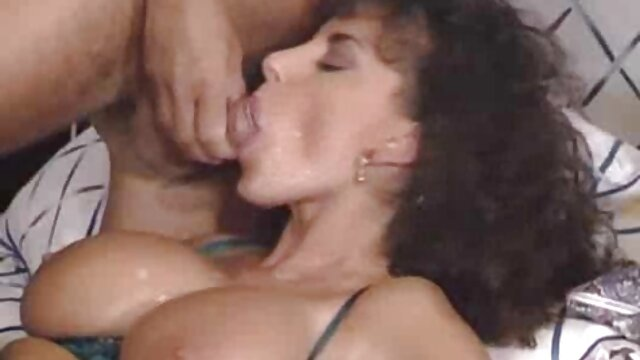 curvy bokep indo xxxx cougar akan dimakan oleh lima orang dalam