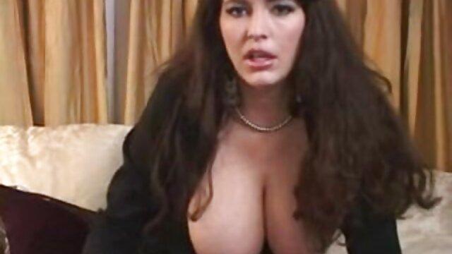 anal cherry memiliki sesi rasa amatir sex indo sakit yang kuat dengan roda mendorong pantatnya